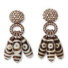 Örhängen med felvända briljanter i typiskt Hemmerlemanér och dxi-mönstrade pärlor.
